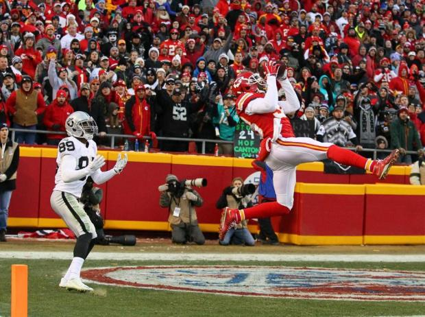 2015_w17_Raiders-Chiefs_Ron_Parker_INT